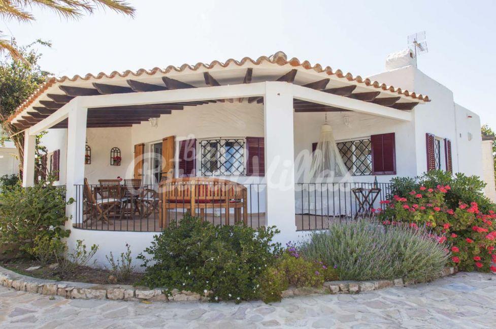 villa can cam ferienhaus mieten ibiza rural villas. Black Bedroom Furniture Sets. Home Design Ideas